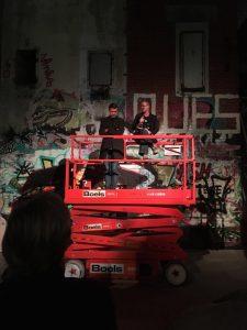 Mathis Nitschke mit Anna Schürmer beim Künstlergespräch anlässlich seiner ›mixed reality techno oper‹ MAYA